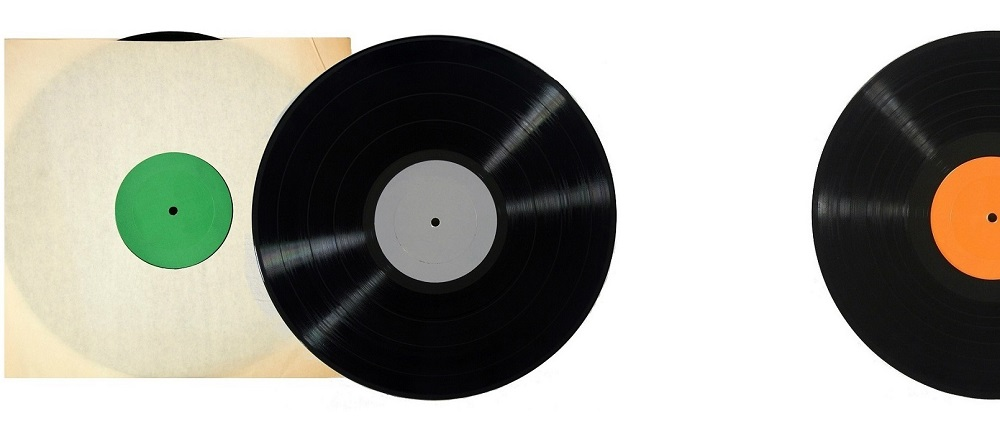 graphic: Fuzzimo.com- vinyl LPs