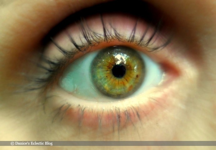 hazel eye ©DSG